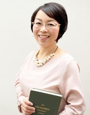 八代朋子 Tomoko Yashiro